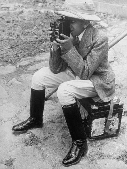 Young Man with a Brownie Camera-Alfred Eisenstaedt-Photographic Print