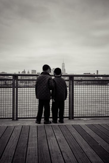 Young orthodox Jews, boys in front of New York Skyline, Williamsburg, Brooklyn, New York, USA-Andrea Lang-Photographic Print
