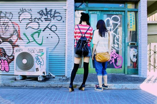 Young Women Window Shop on Harajuku's Cat Street-Heather Perry-Photographic Print