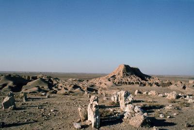 Ziggurat, Ashur, Iraq, 1977-Vivienne Sharp-Photographic Print