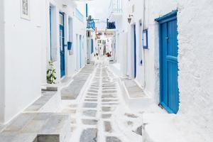 Mykonos Streetview, Greece by Zoltan Gabor